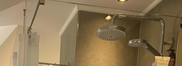 Montage Tip: Kombination Duschabtrennung aus Glaswand und Duschvorhang
